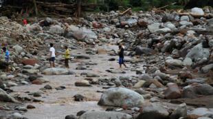 Residentes del pueblo de Salvador, en Lanao.