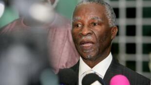 Thabo Mbeki, ex-presidente sul-africano, a 25 de outubro de 2010.