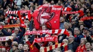 Cổ động viên câu lạc bộ bóng đá Anh Quốc Liverpool trước trận bán kết lượt về Cúp Champions League trên sân Anfield (Liverpool, Anh Quốc) ngày 07/05/2019.