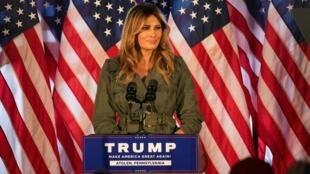 La primera dama Melania Trump salió a hacer campaña en Pensilvania por su esposo, una semana antes del día de las elecciones