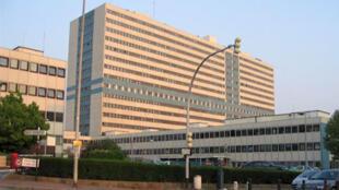 Le CHU Henri-Mondor de Créteil est un hôpital de l'Assistance publique, situé en région parisienne.