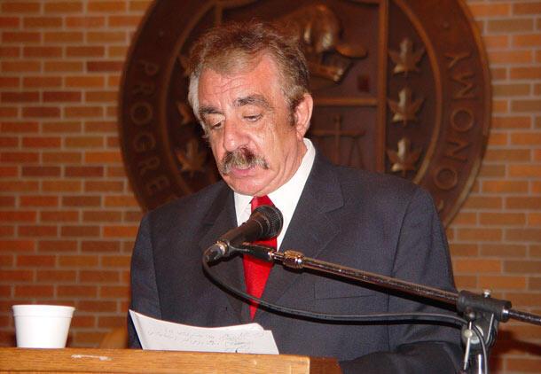 فریبرز رئیس دانا، اقتصاددان و نویسنده و مترجم کتب تخصصی
