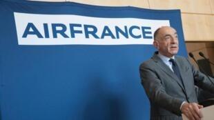 法航、荷航(AFRAF)首席執行官讓-馬克-雅納亞克(Jean-Marc Janaillac)被迫辭職  2018年5月4日