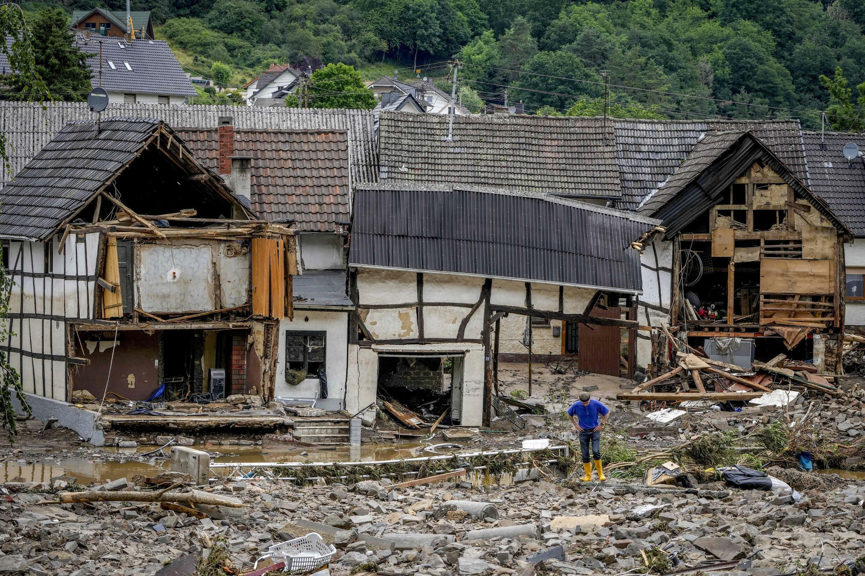 Maisons détruites par pluies diluviennes à Schuld, Allemagne