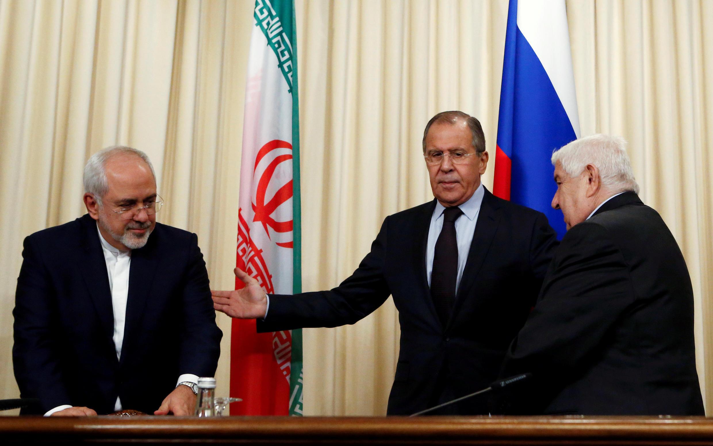 Министр иностранных дел России Сергей Лавров (в центре) и главы внешнеполитических ведомств Ирака и Сирии, Москва, 28 октября 2016.