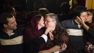 Sarah Shourd embraces her mother on a visit granted by the Iranian authorities earlier this year.