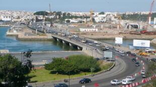 Le pont qui sépare Rabat de Salé.