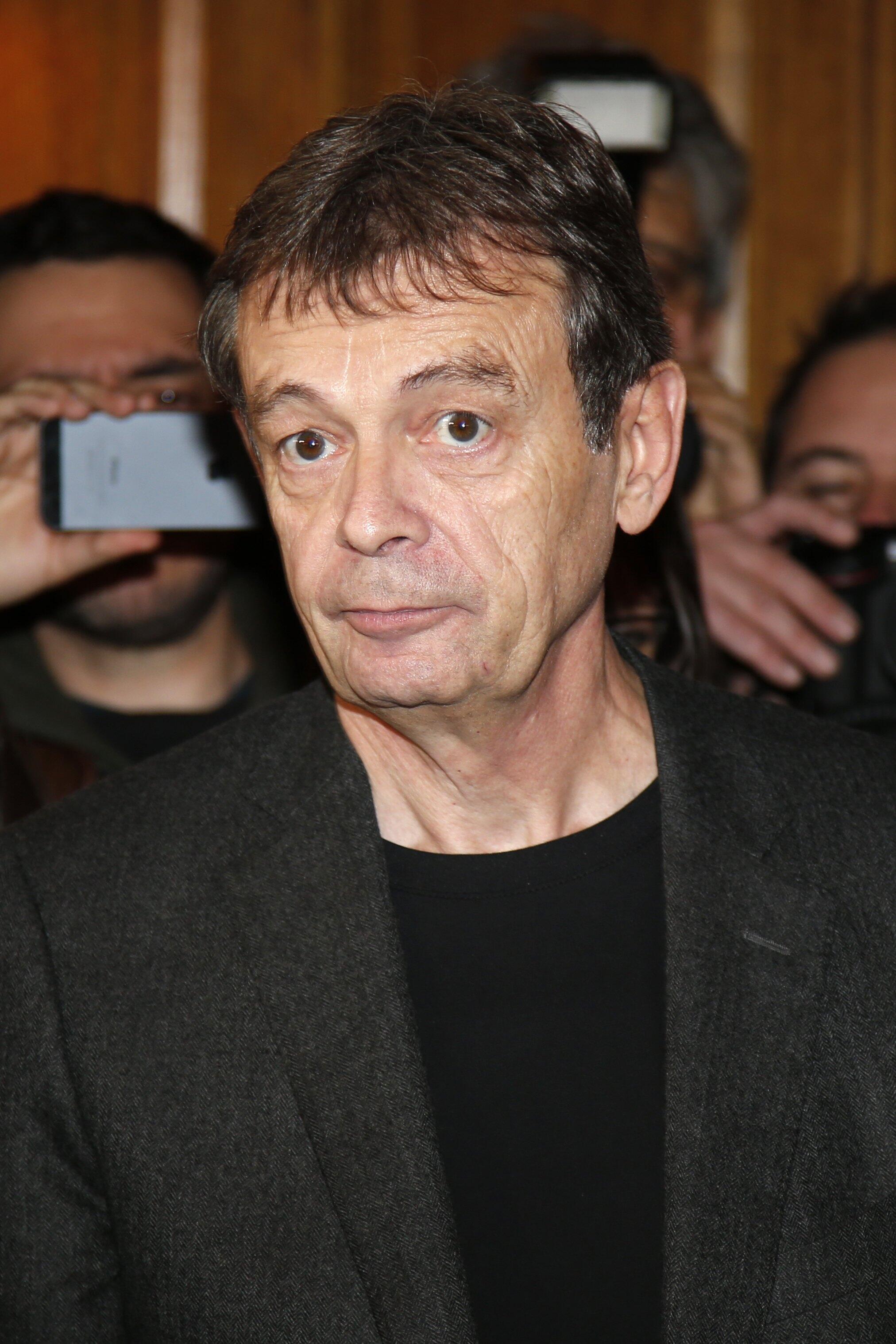 """O escritor francês Pierre Lemaitre venceu o prémio Goncourt nesta segunda-feira com o romance """"Au revoir là-haut""""."""