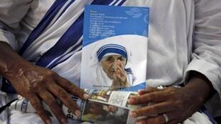 El Papa canoniza a Madre Teresa de Calcuta.