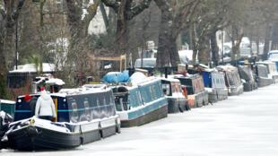 Les bateaux sont bloqués sur le canal Regent dans le quartier de Maida Vale dans l'ouest de Londres, le 1er mars 2018.