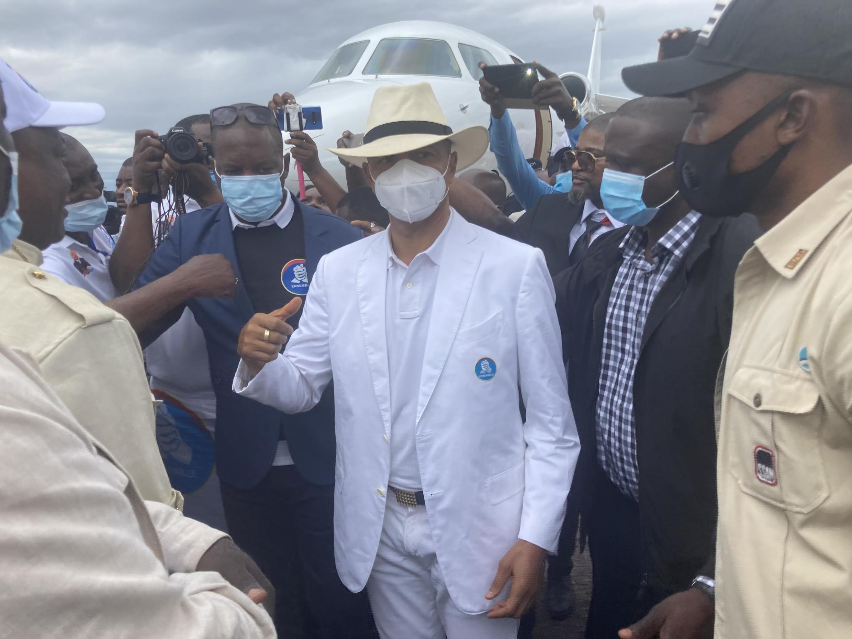Moïse Katumbi alipowasili katika uwanja wa ndege wa Kinshasa, Ijumaa Novemba 6, 2020.
