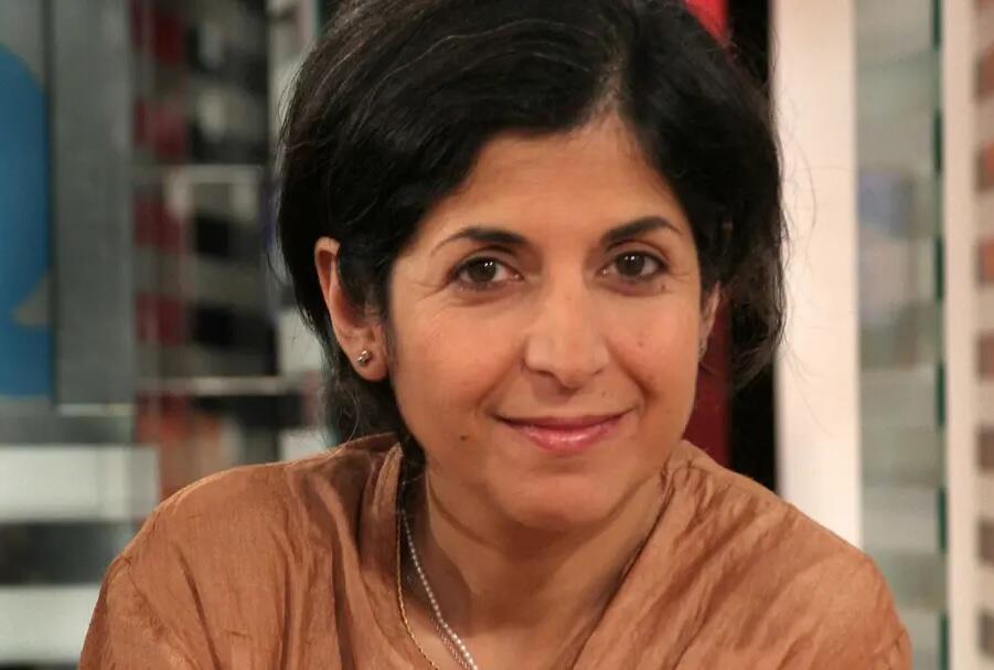 فریبا عادلخواه، پژوهشگر فرانسوی ایرانی که از ژوئن سال ٢٠١٩ در ایران در زندان بسر میبرد، در اریبهشت ٢٠٢٠ به ۵ سال زندان محکوم شد