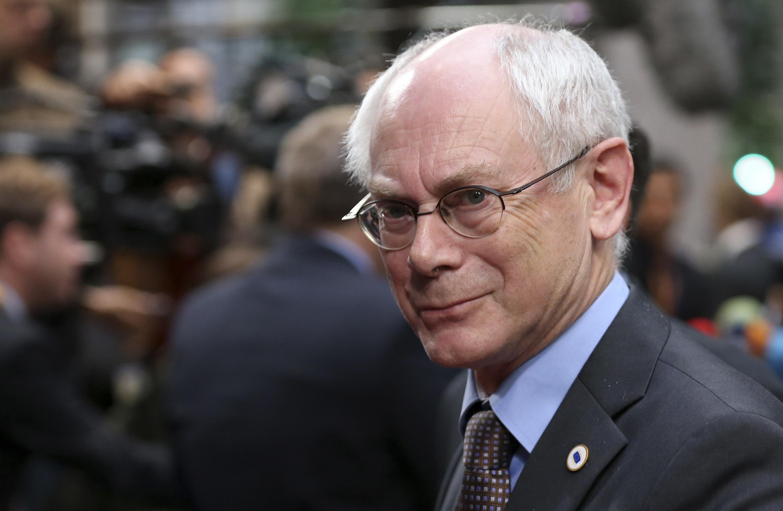 Chủ tịch Hội đồng châu Âu Herman Van Rompuy dự cuộc họp bất thường tại Bruxelles - REUTERS /Francois Lenoir