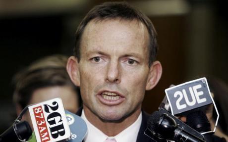 លោកថូនី អ៊ែបត (Tony Abbott) ប្រធានគណបក្សប្រឆាំងអូស្រ្តាលី