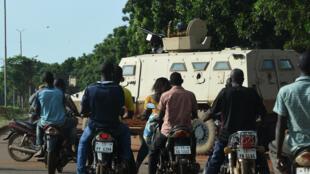 O exército nas ruas de Uagadugu, nesta terça-feira  22 de setembro de 2015.