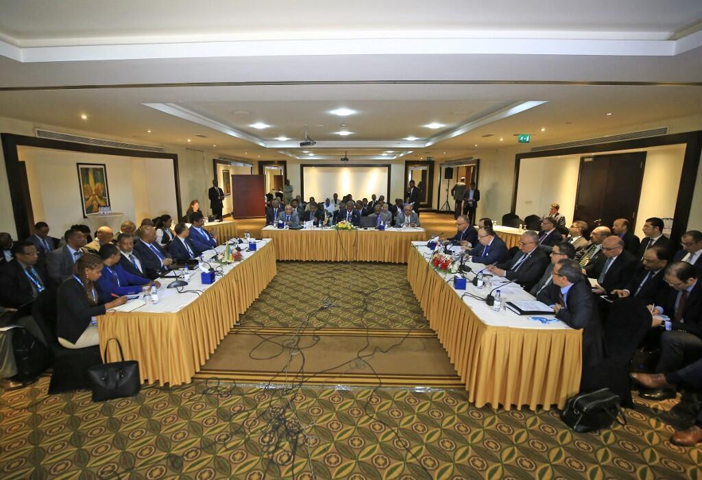 Bộ trưởng Thủy Lợi ba nước Ai Cập, Ethiopia và Sudan trong một cuộc đàm phán về đập thủy điện Renaissance, thủ đô Khartoum, Sudan, ngày 21/12/2019.