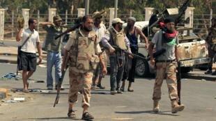 Rebeldes líbios acreditam ter encontrado o esconderijo de Muammar Kadafi.