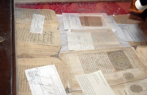 Les fameux manuscrits de Tombouctou, trésors de la ville, sur une photographie de mai 2010.