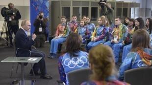 Владимир Путин на встрече с волонтерами Олимпиады в Сочи 17/01/2014
