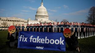 បដាប្រឆាំងនឹងអគ្គនាយកក្រុមហ៊ុន Facebook លោក Mark Zuckerberg ក្រោយការលេចធ្លាយទិន្នន័យអ្នកប្រើប្រាស់ប្រមាណ៨៧លាន