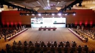 Ouverture des discussions entre le gouvernement afghan et les talibans, le 12 septembre à Doha, au Qatar.