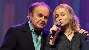 Guy et Emmanuelle Béart lors de l'ultime concert du chanteur à l'Olympia à Paris, janvier 2015.
