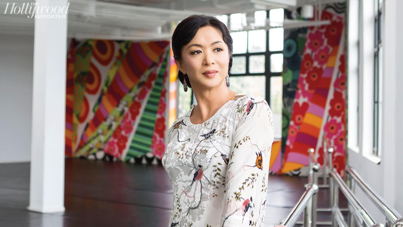 Kim Tinh (Jin Xing) được mệnh danh là người phụ nữ thế lực nhất TQ từng là đàn ông.