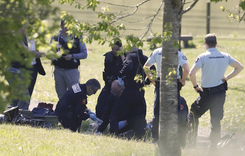 """گروه شبه نظامی اِتا از جداییطلبان باسک """"کل"""" سلاحهای خود واقع در فرانسه را به پلیس این کشور تحویل میدهد."""