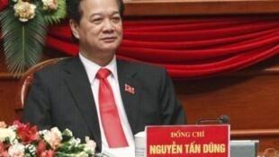 Thủ tướng Việt Nam Nguyễn Tấn Dũng trong ngày bế mạc Đại hội Đảng Cộng sản Việt Nam lần thứ 11, ngày 19/1/11 tại Hà Nội.