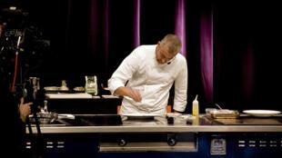 O chef Alex Atala (foto) disse estar muito feliz em alcançar o sexto lugar da lista dos 50 melhores restaurantes do mundo.
