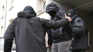 از جهادیون فرانسه که در بازگشت از سوریه در استراسبورگ دستگیر شد