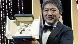 日本導演是枝裕和榮獲2018戛納電影節金棕櫚大獎