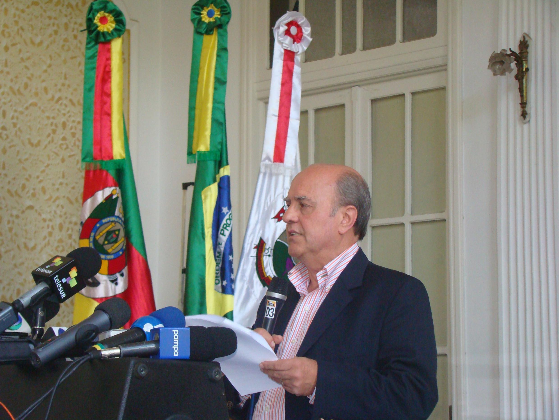 Cezar Schirmer, prefeito de Santa Maria, conversou com a reportagem da RFI um mês após o incêndio na boate Kiss.