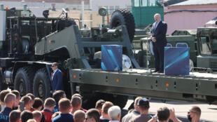 白俄羅斯總統盧卡申科周一演講中被台下民眾要求下台資料圖片