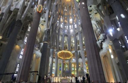 Папа Римский освятил церковь Святого Семейства в Барселоне