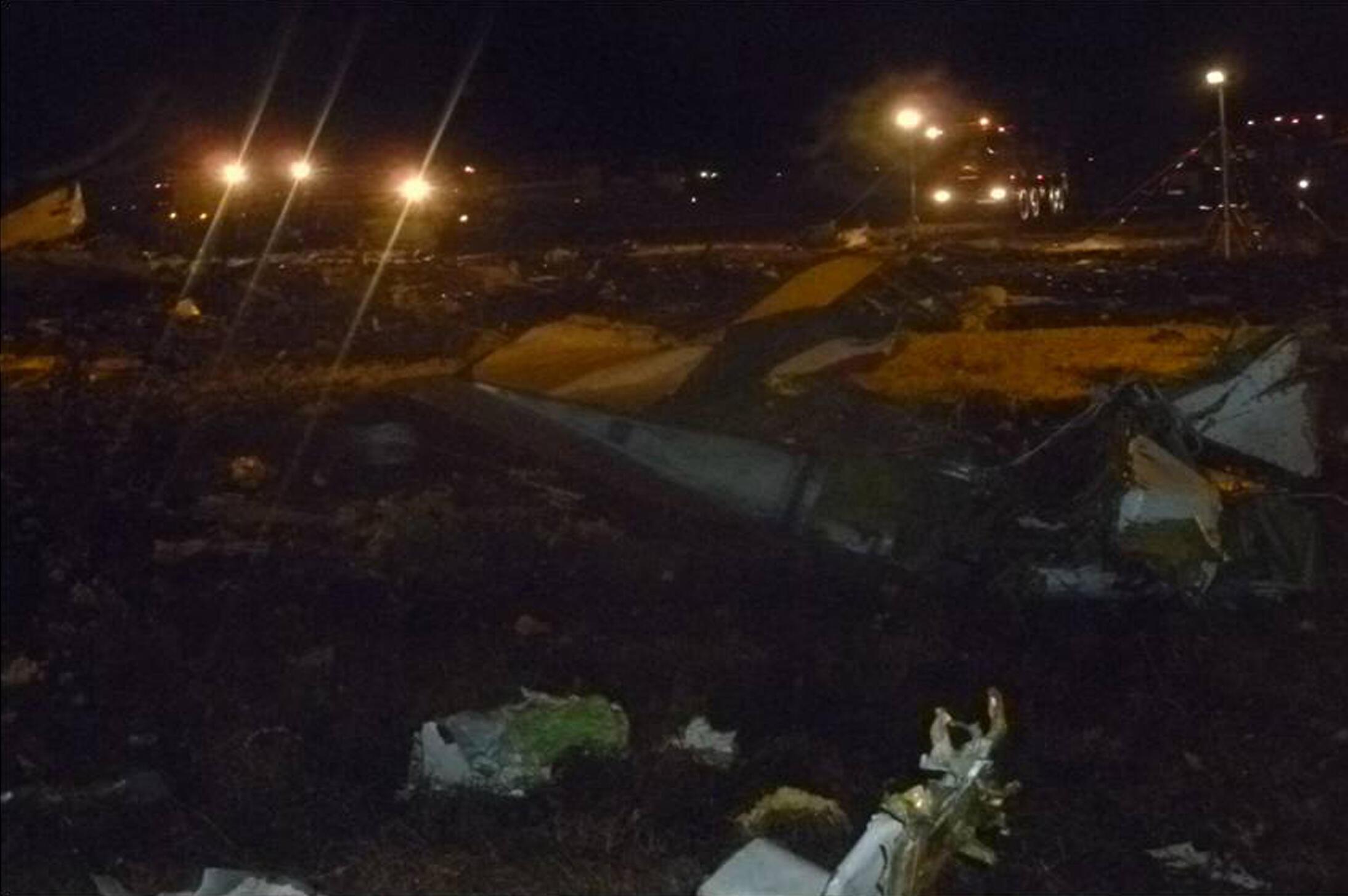 La carcasse du Boeing 737 de la Tatarstan Airlines sur l'aéroport de Kazan, au Tatarstan, le 17 novembre 2013.