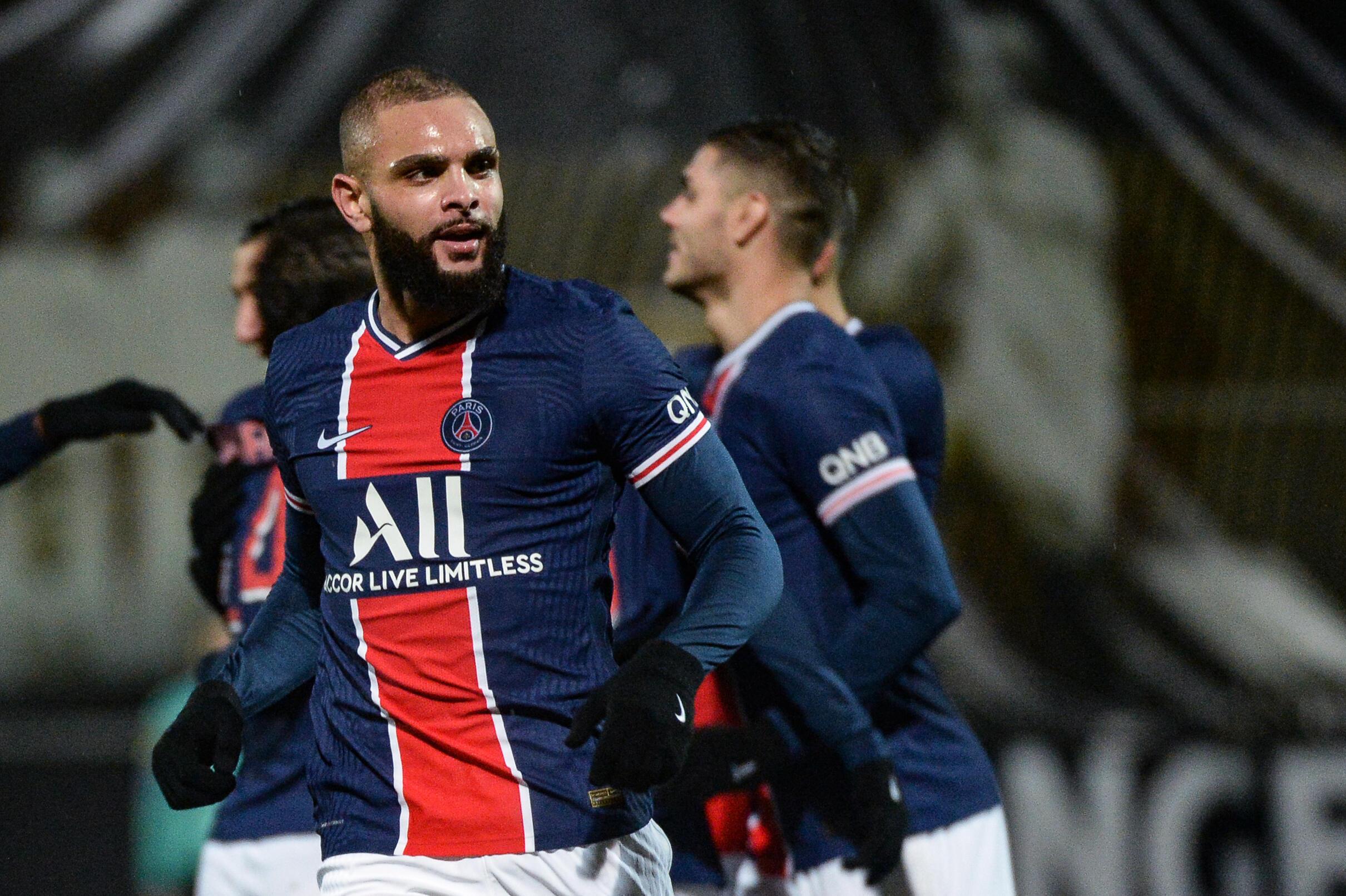 Le milieu du Paris-SG, Layvin Kurzawa, buteur lors du match de Ligue 1 à Angers, le 16 janvier 2021