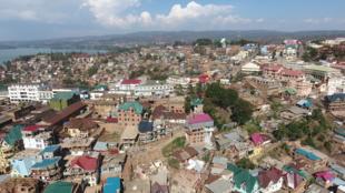 Mji wa Bukavu, mji mkuu wa Mkoa wa Kivu Kusini.