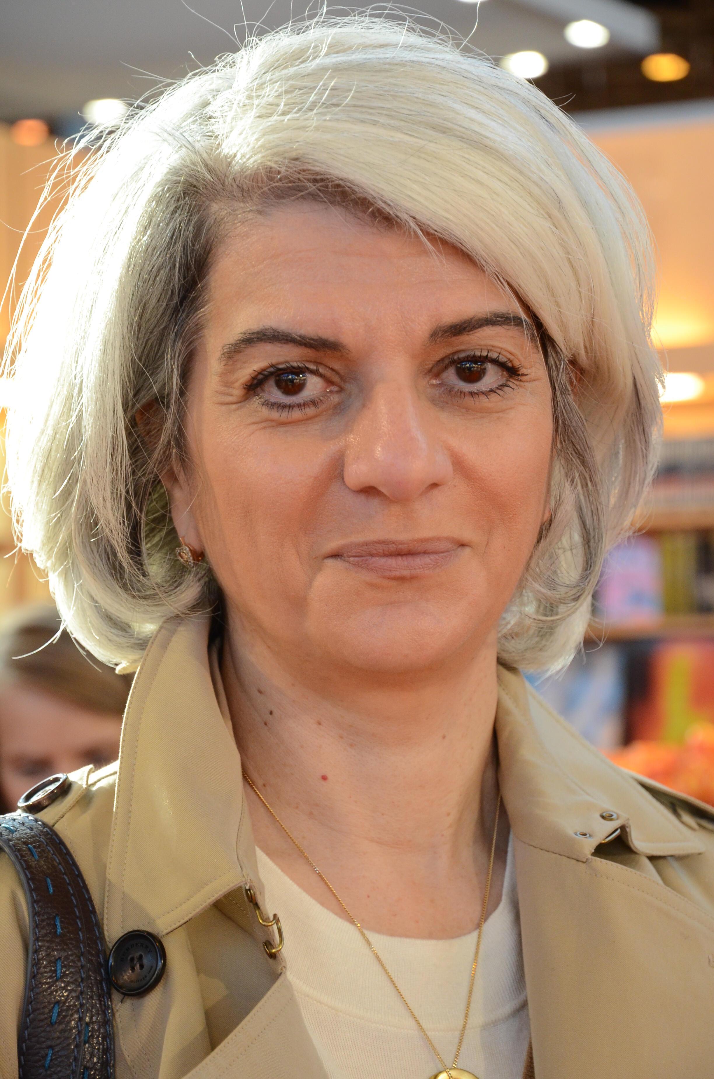 سرور کسمائی، نویسنده ایرانی