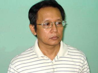 Giáo sư Phạm Minh Hoàng mãn án 17 tháng tù giam (DR)