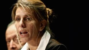 La juge fédérale Sandra Arroyo Salgado présente un rapport indépendant concernant la mort du procureur Alberto Nisman, son ex-mari, à Buenos Aires le 5 mars 2015.