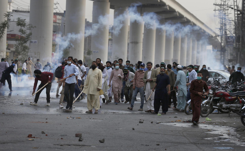 Image d'archive RFI - Pakistan Manifestant à Lahore, le 12 avril 2021