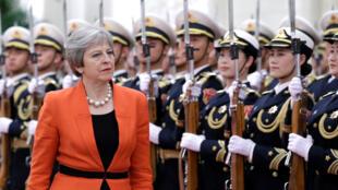 2018年1月31日,英國首相特蕾莎•梅抵達中國訪問,前往北京人大會堂,與中國總理李克強會晤。