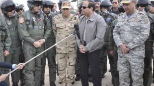Presidente egípcio coordena os ataquse ao EI na Líbia.