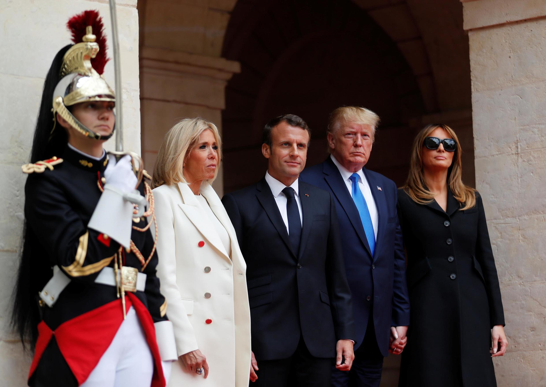 Президенты Франции и США с супругами в Кане 6 июня 2019