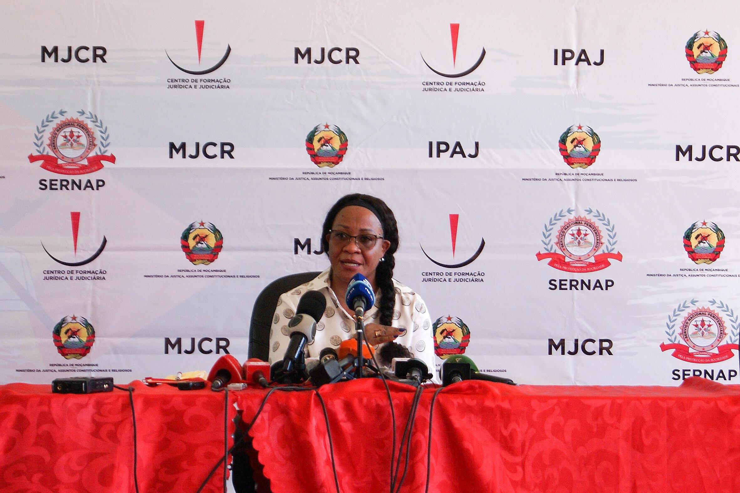 Helena Kida, ministra da justiça durante uma conferência de imprensa no Estabelecimento Penitenciário Especial para Mulheres de Maputo, Moçambique, 16 de Junho de 2021.