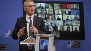 El secretario general de la OTAN, Jens Stoltenberg, ofrece una conferencia de prensa virtual en la sede del organismo en Bruselas, el 15 de febrero de 2021