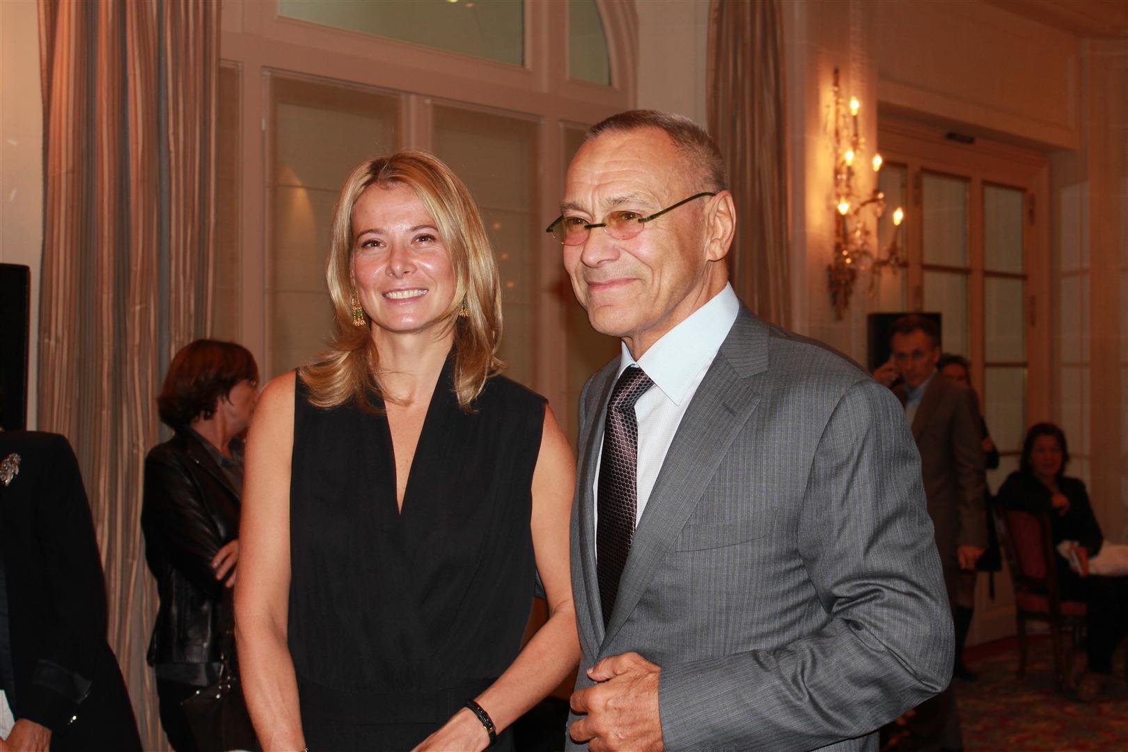 Андрей Кончаловский с женой, актрисой Юлией Высоцкой в Париже