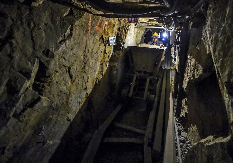 On compte  une centaine de mines dans les montagnes de la Llanada. Toutes ne sont pas équitables et responsables. En Colombie, 63% de l'activité minière est illégale.