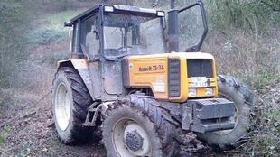 A Renault 75-34 tractor